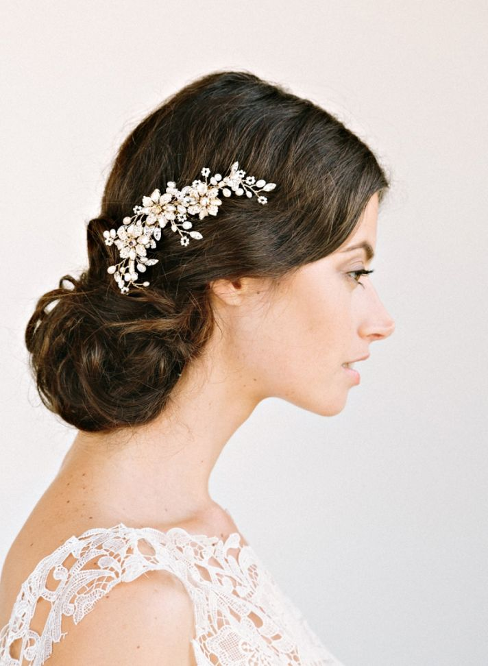 Accessories For Wedding Dresses 19 Stunning Romantic Bridal Hair Accessory