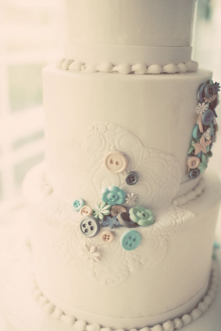 Vintage inspired wedding cake with lace applique design