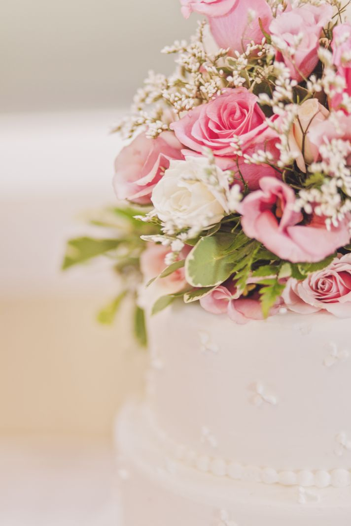 Romantic Classic Wedding Cake with Pink Roses Topper