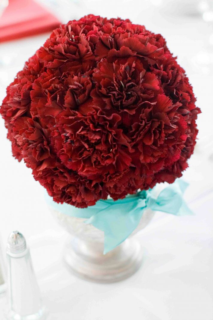 Simple Red Carnation Wedding Centerpiece