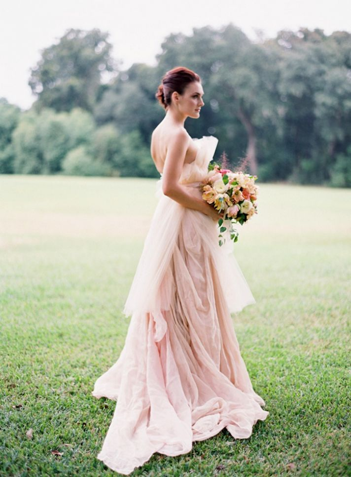 Gorgeous bridal gowns that make the ultimate romantic for Fuchsia dress for wedding