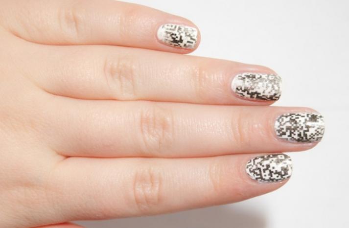 Unique wedding nail art metallic QR code