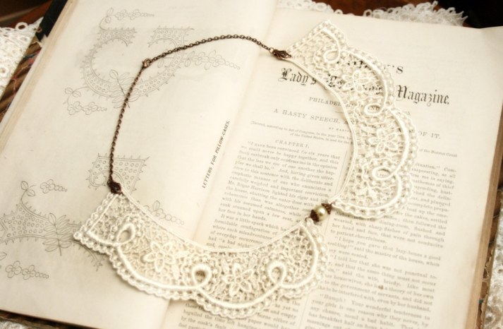 chantilly lace peter pan wedding necklace