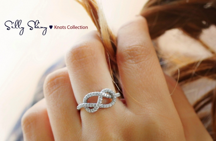 Diamond wedding band with infinity heart