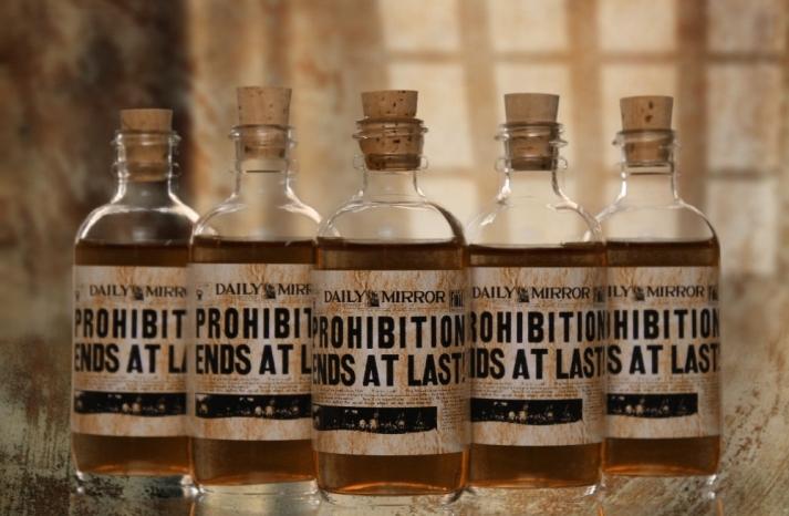 Mini whiskey wedding favors