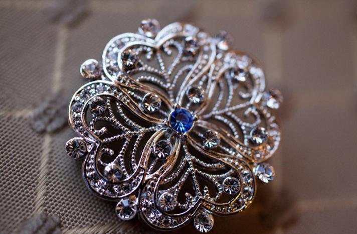 Something blue for budget brides 9