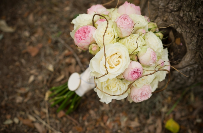 Ivory and light pink wedding bouquet