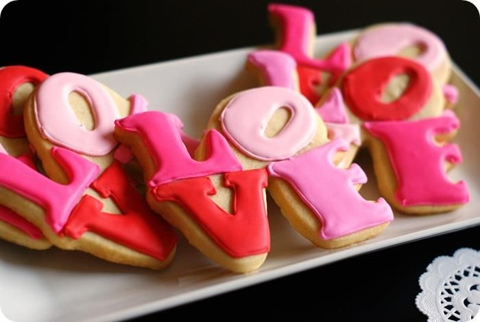 DIY Love wedding cookie favors