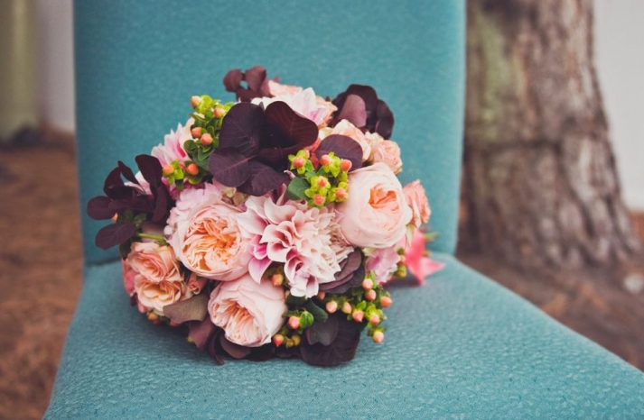 vintage garden inspired wedding bouquet for fall