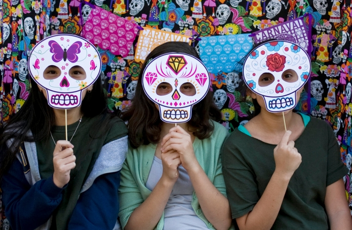 Day of the Dead wedding photo booth props