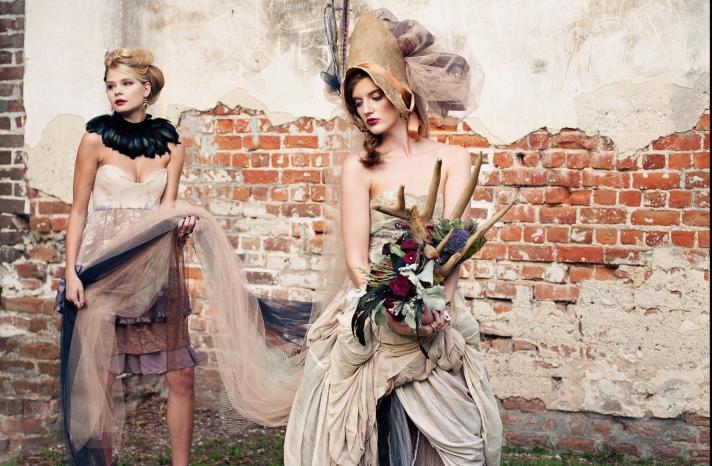 gothic glam wedding theme for Halloween