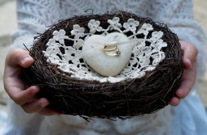 white felt heart ring bearer nest