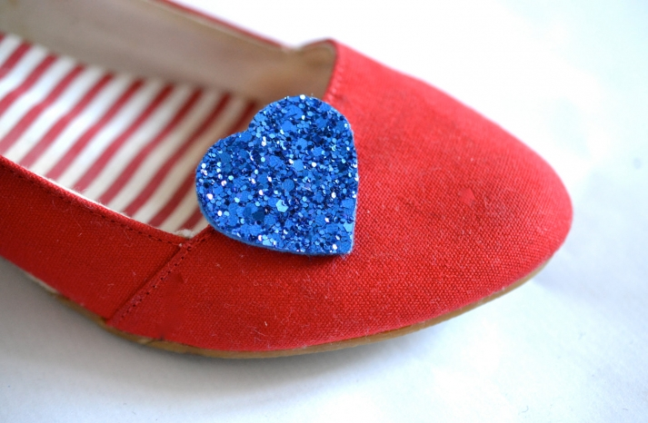 royal blue glitter hearts wedding shoe clips