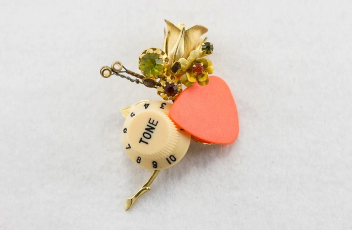vintage upcycled grooms boutonnieres