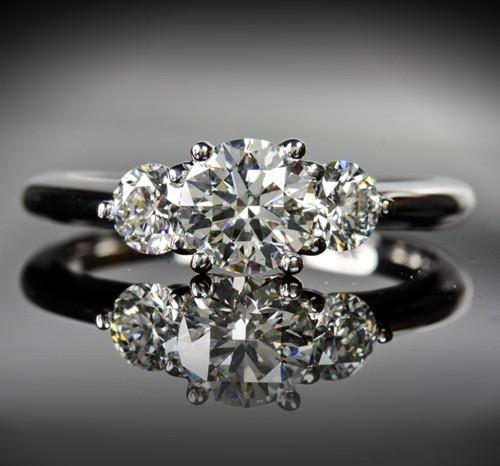 whiteflash-trois-brilliant-three-stone-diamond-engagement-ring