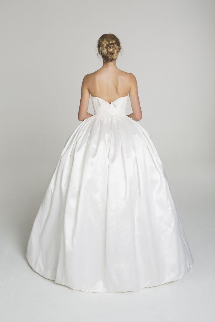 Simple ball gown wedding dress from Alana Aoun
