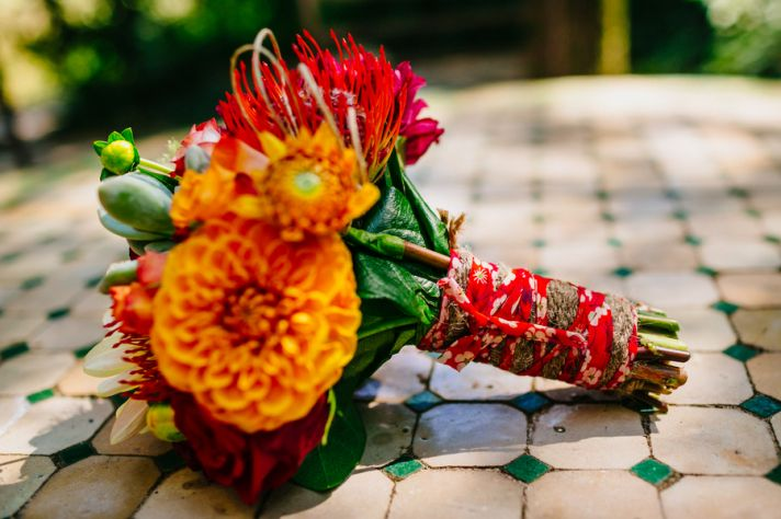 Bright bouquet for a French real wedding