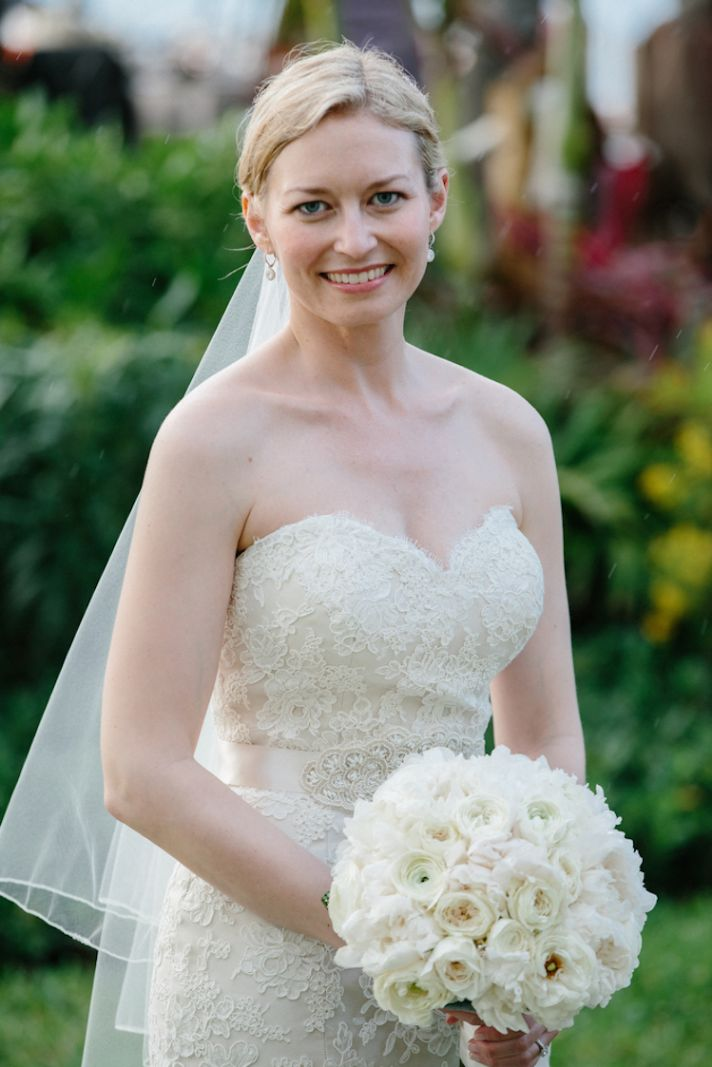 Bride beauty at a destination wedding