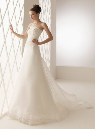Aire barcelona wedding dress style barcelona onewed for Barcelona wedding dress designer