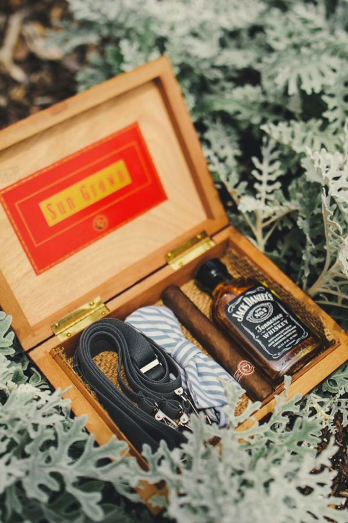 Groomsmen Wedding Gift: The Quest To Find The Perfect Groom's Gift!